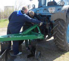 Traktor (2)